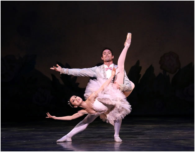 SVB Principal dancers JUNNA IGE as Marie and MAYKEL SOLAS as the prince